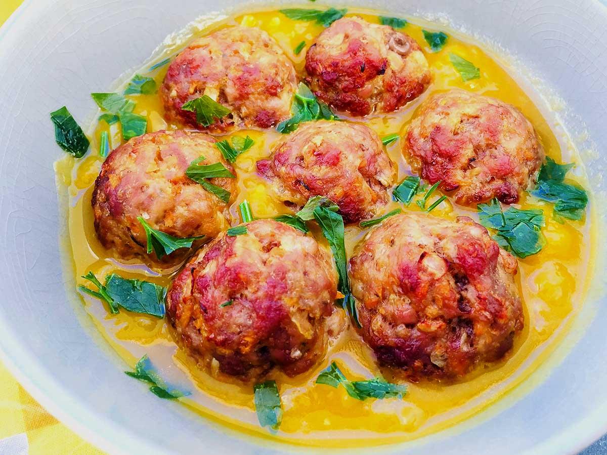 Chifteluțe cu sos de dovleac dulce-acrișor