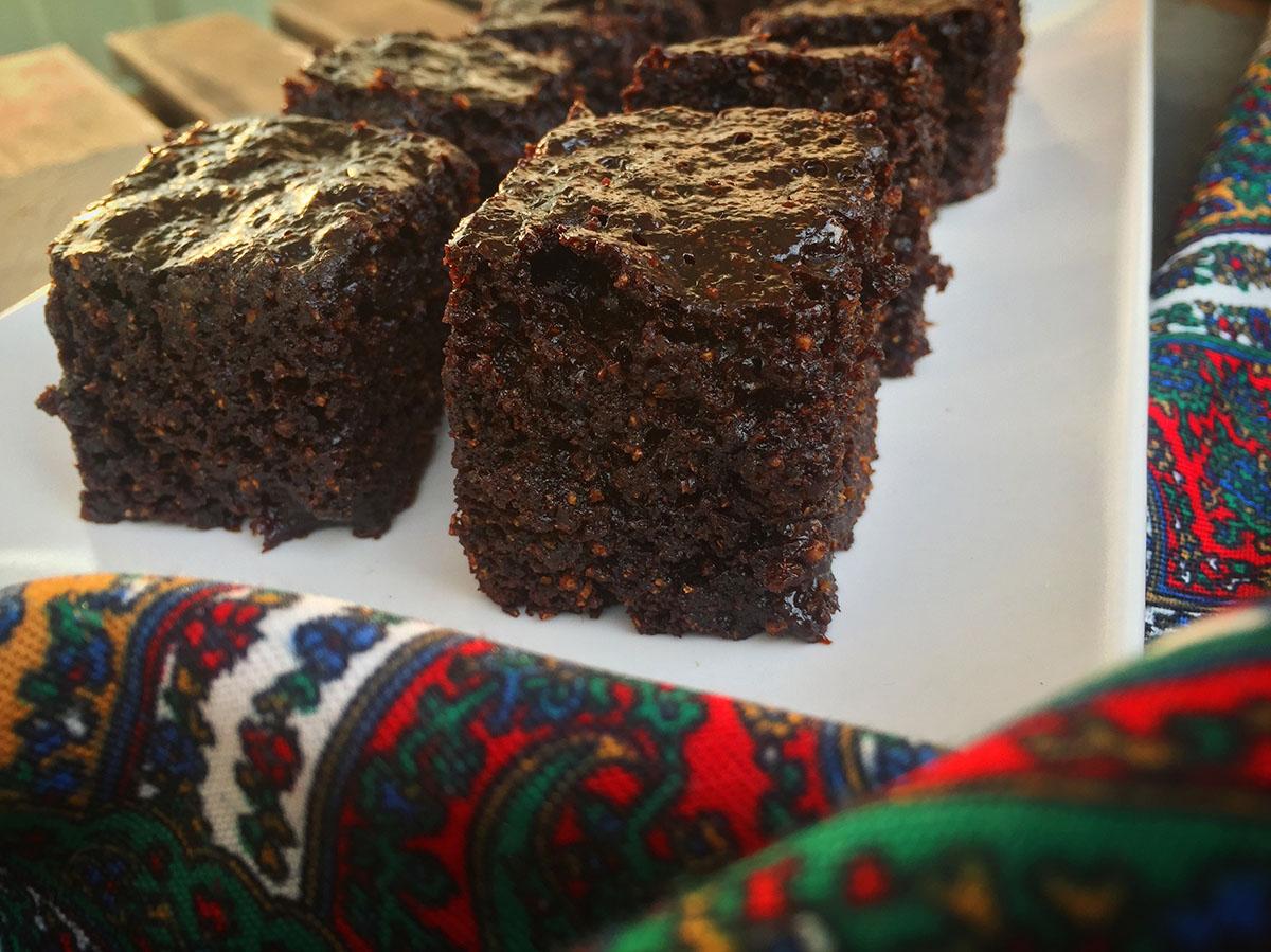 Brownie cu magiun la slow cooker (AIP)
