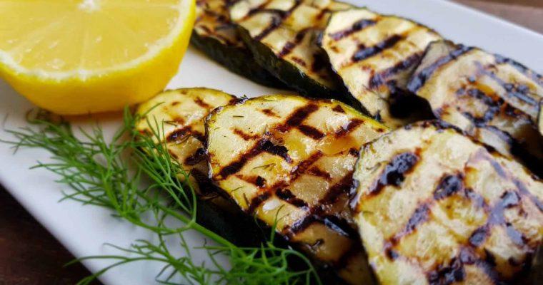 Dovlecel la grill cu lămâie și usturoi
